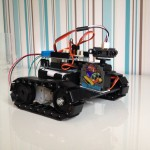 Arduino Roboter auf Panzerketten